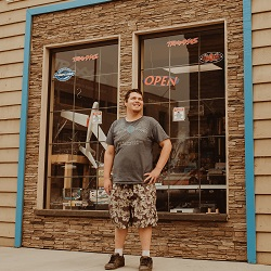 Hobby Shop Builds Model Following